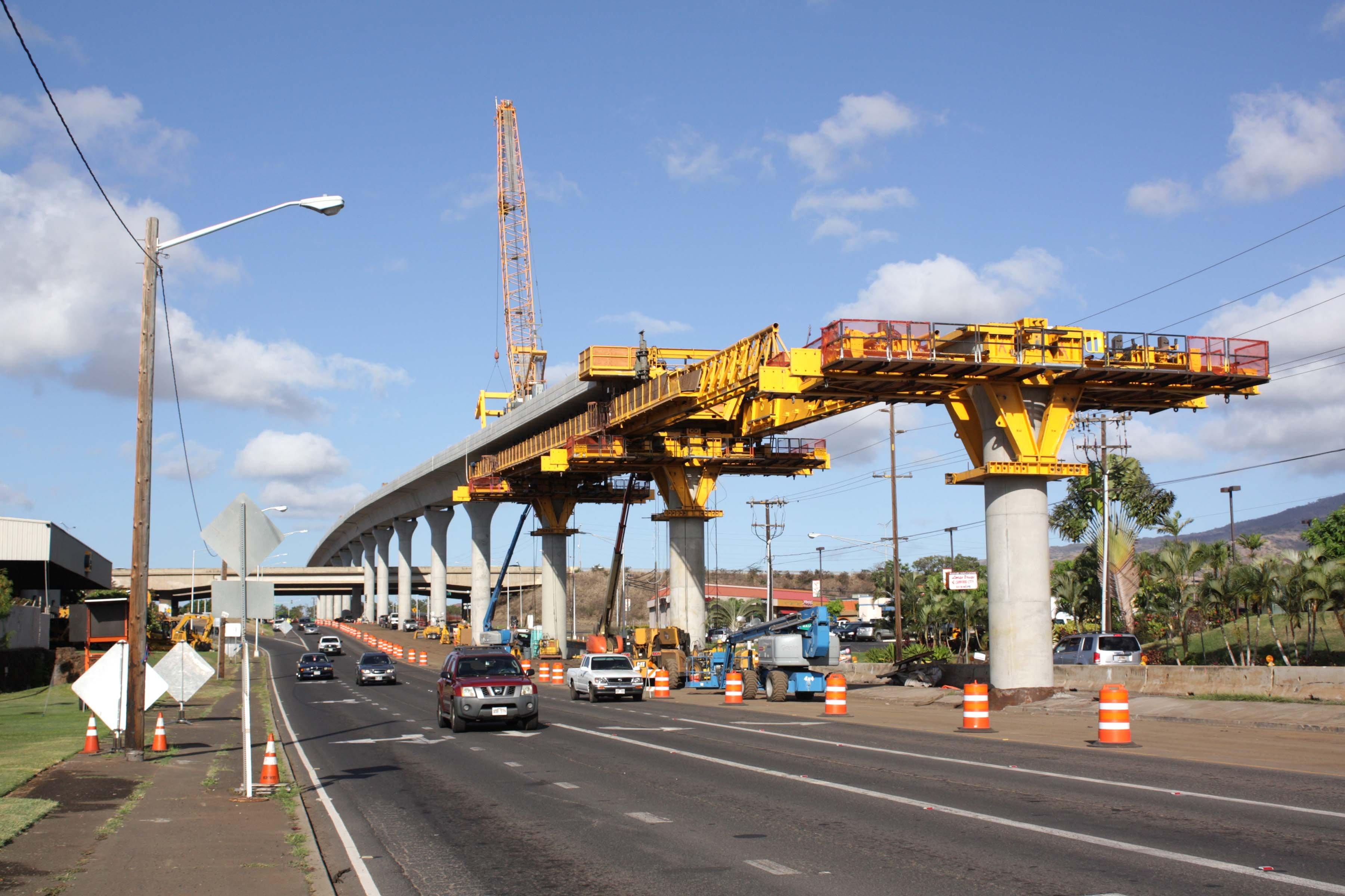 Honolulu_rail_project_construction_in_Waipahu_near_Fort_Weaver_Road_2015-07-29-1